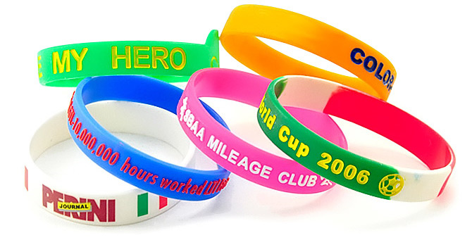 custom-silicone-wristbands-signature-pins